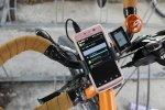 Smartfon przy rowerze